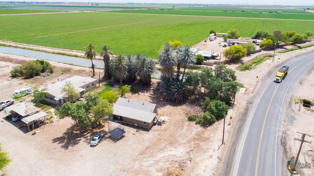 4892 Forrester Rd, Westmorland, CA 92281 (MLS #17219176IC) :: DMA Real Estate