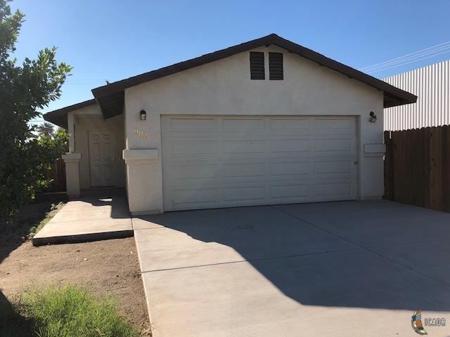 902 E 3RD St, Calexico, CA 92231 (MLS #19421482IC) :: DMA Real Estate