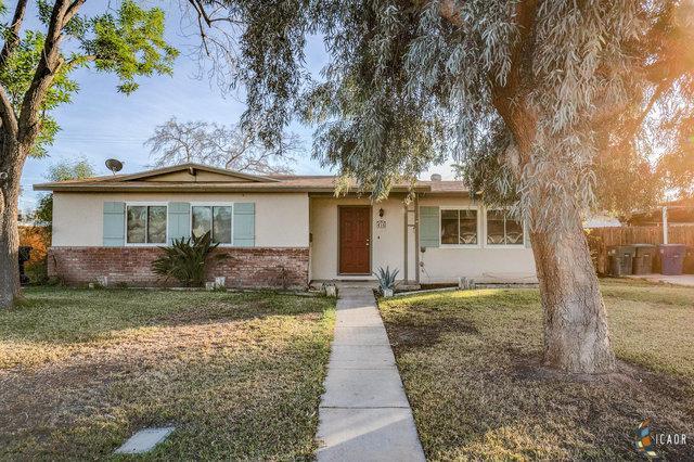 456 W Magnolia St, Brawley, CA 92227 (MLS #19426344IC) :: DMA Real Estate