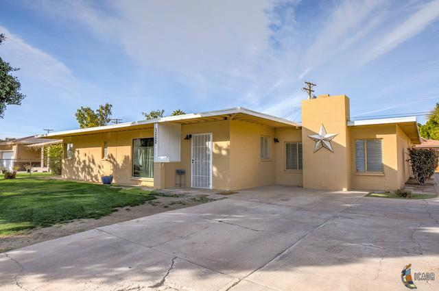 1252 Ross Ave, El Centro, CA 92243 (MLS #19429140IC) :: DMA Real Estate