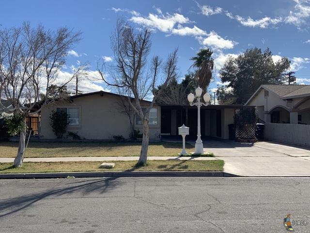 1537 Sandalwood Dr, El Centro, CA 92243 (MLS #19432548IC) :: DMA Real Estate