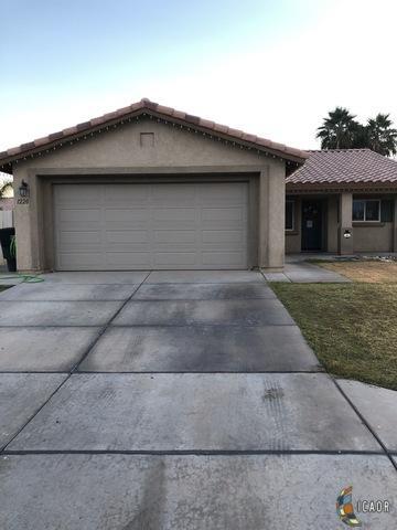 1220 Sereno Dr, Calexico, CA 92231 (MLS #19434524IC) :: DMA Real Estate