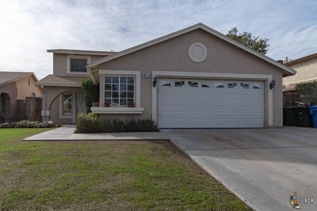 2381 W Orange Ave, El Centro, CA 92243 (MLS #19435420IC) :: DMA Real Estate