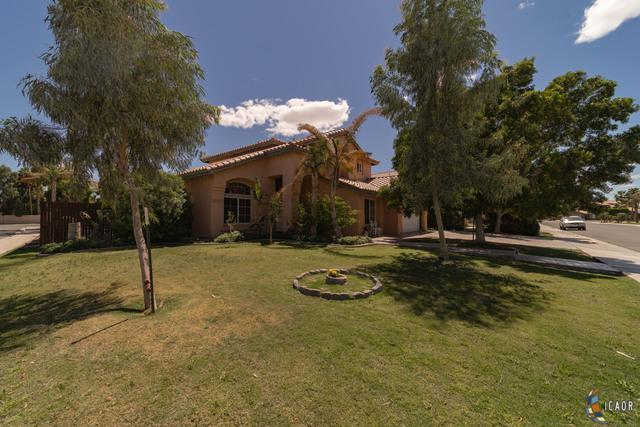 1224 Fiesta Ave, Calexico, CA 92231 (MLS #19453008IC) :: DMA Real Estate