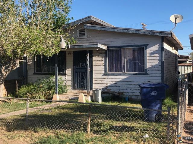 905 E 5TH St, Calexico, CA 92231 (MLS #19453076IC) :: DMA Real Estate