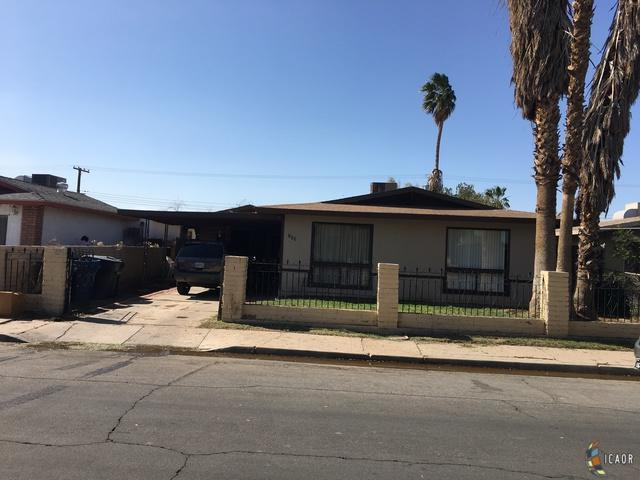 732 Lincoln St, Calexico, CA 92231 (MLS #19453938IC) :: DMA Real Estate