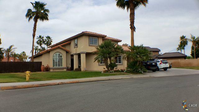 1173 Obeliscos St, Calexico, CA 92231 (MLS #19454882IC) :: DMA Real Estate