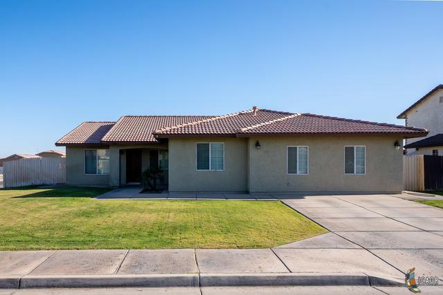 1244 P Montejano St, Calexico, CA 92231 (MLS #19455264IC) :: DMA Real Estate