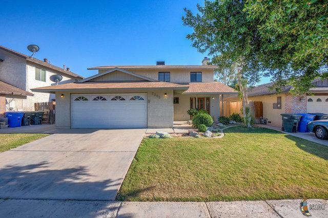 2321 W Hamilton Ave, El Centro, CA 92243 (MLS #19455416IC) :: DMA Real Estate