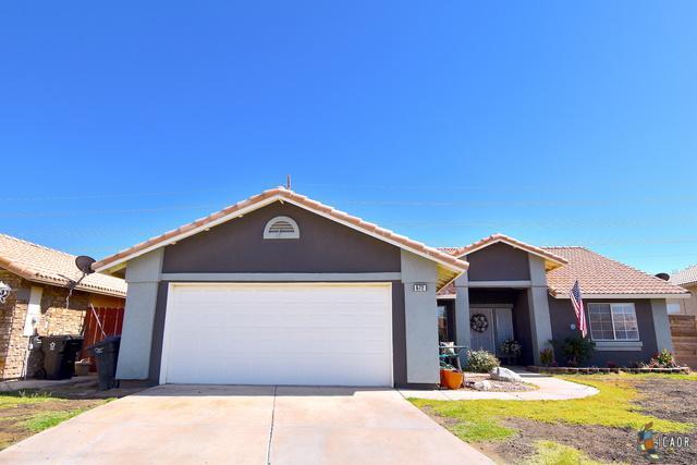 672 Yucca St, Imperial, CA 92251 (MLS #19463848IC) :: DMA Real Estate