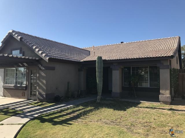 985 Zapata St, Calexico, CA 92231 (MLS #19471622IC) :: DMA Real Estate