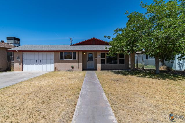 317 S G St, Imperial, CA 92251 (MLS #19479596IC) :: DMA Real Estate