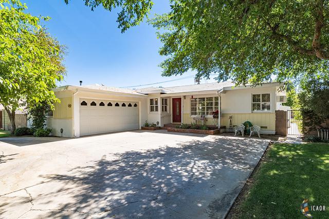 548 Willard Ave, Brawley, CA 92227 (MLS #19479960IC) :: DMA Real Estate