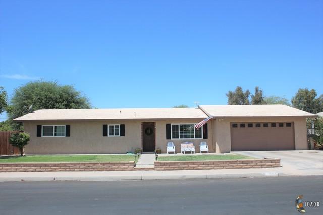 305 Chestnut Ave, Holtville, CA 92250 (MLS #19497344IC) :: DMA Real Estate