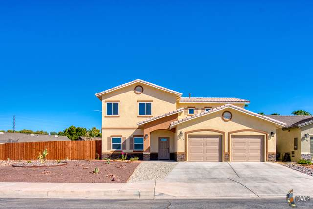 1068 Crestview Dr, Brawley, CA 92227 (MLS #19501446IC) :: DMA Real Estate