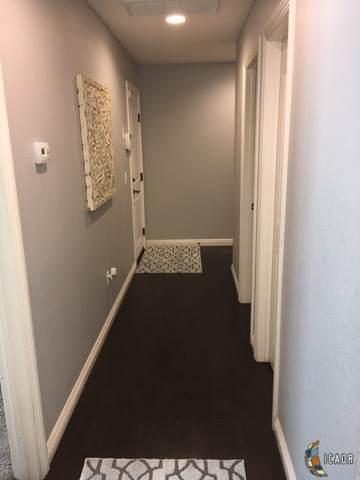 2886 Wensley Ave, El Centro, CA 92243 (MLS #19503028IC) :: DMA Real Estate