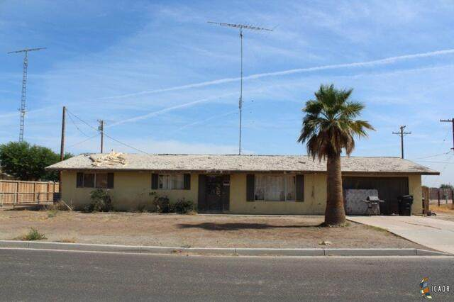 225 W Fern, Calipatria, CA 92233 (MLS #19505428IC) :: DMA Real Estate