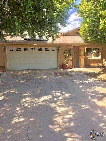 605 S 17TH St, Brawley, CA 92227 (MLS #19509002IC) :: DMA Real Estate