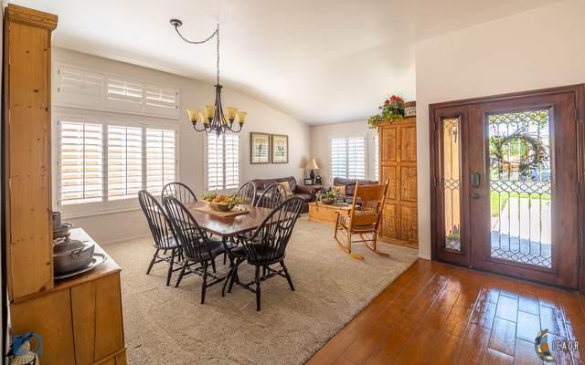 917 Calle Luna, Brawley, CA 92227 (MLS #19510064IC) :: DMA Real Estate