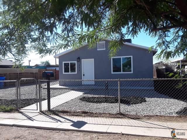 233 E Olive Ave, El Centro, CA 92243 (MLS #19518506IC) :: DMA Real Estate