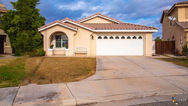2347 Montecito Ave, Imperial, CA 92251 (MLS #19535028IC) :: DMA Real Estate