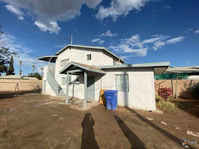 684 Heil, El Centro, CA 92243 (MLS #19536714IC) :: DMA Real Estate