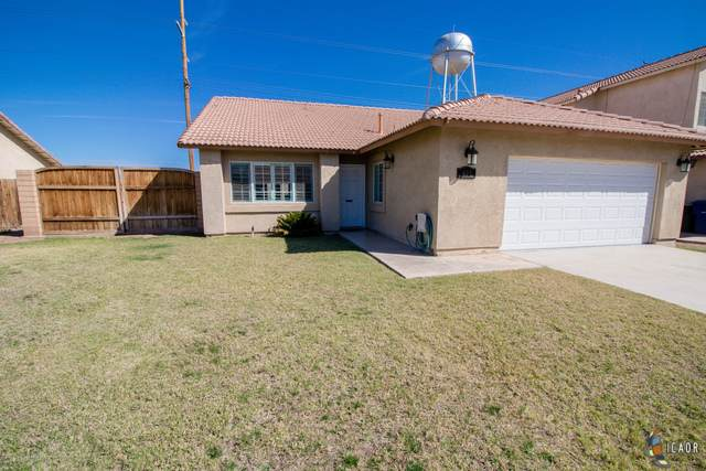 401 Sunset Dr, Imperial, CA 92251 (MLS #20565542IC) :: DMA Real Estate