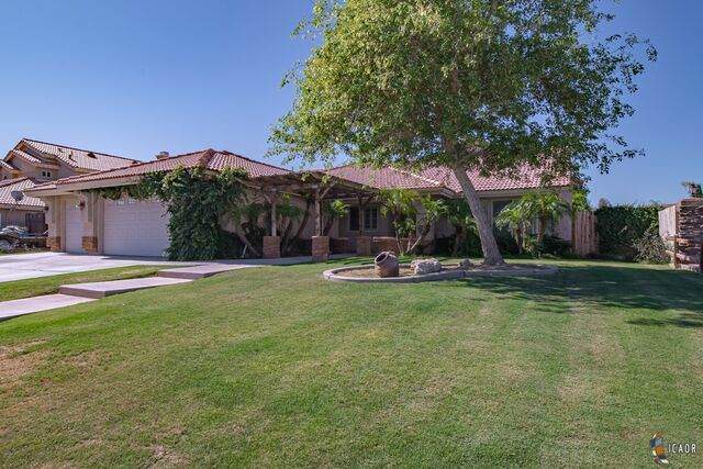 554 Sagebrush St, Imperial, CA 92251 (MLS #20581482IC) :: DMA Real Estate