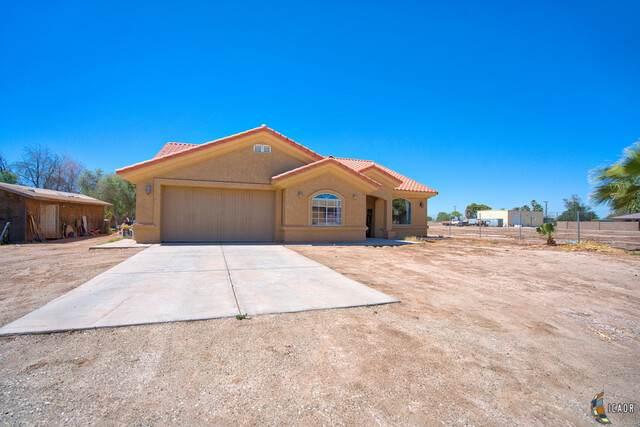 565 Neckel Rd, Imperial, CA 92251 (MLS #20581944IC) :: DMA Real Estate
