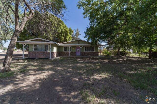 1942 E Underwood Rd, Holtville, CA 92250 (MLS #20608222IC) :: DMA Real Estate
