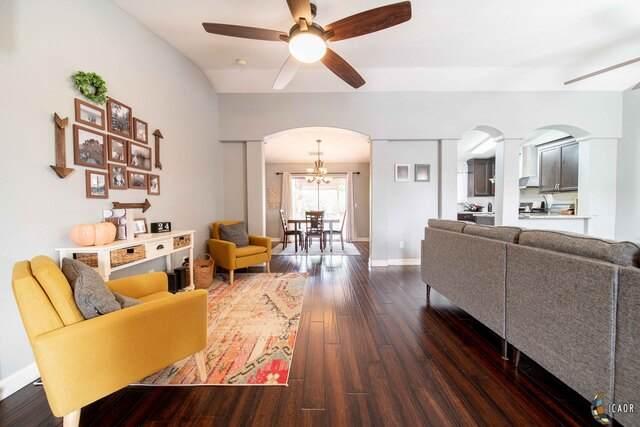657 Yucca St, Imperial, CA 92251 (MLS #20651458IC) :: DMA Real Estate