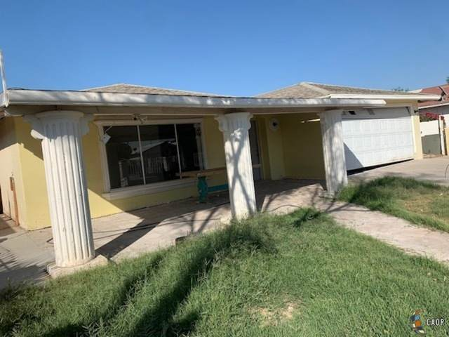989 Salvador Guilin St, Calexico, CA 92231 (MLS #20651876IC) :: DMA Real Estate