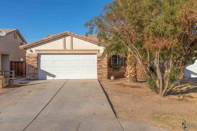 471 Santa Rosa Dr, Imperial, CA 92251 (MLS #21681388IC) :: DMA Real Estate