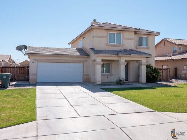 285 W Cancun Dr, Imperial, CA 92251 (MLS #21699348IC) :: DMA Real Estate