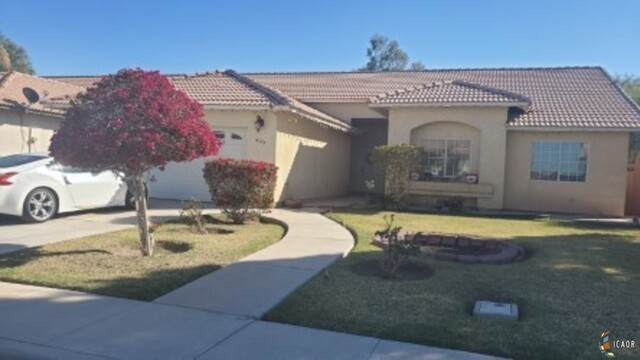 420 Sunset Dr, Imperial, CA 92251 (MLS #21699484IC) :: DMA Real Estate