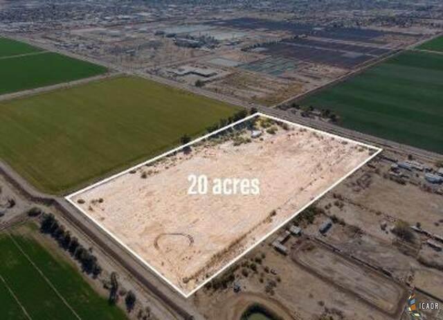 2154 N Dogwood Rd, El Centro, CA 92243 (MLS #21700430IC) :: Capital Real Estate