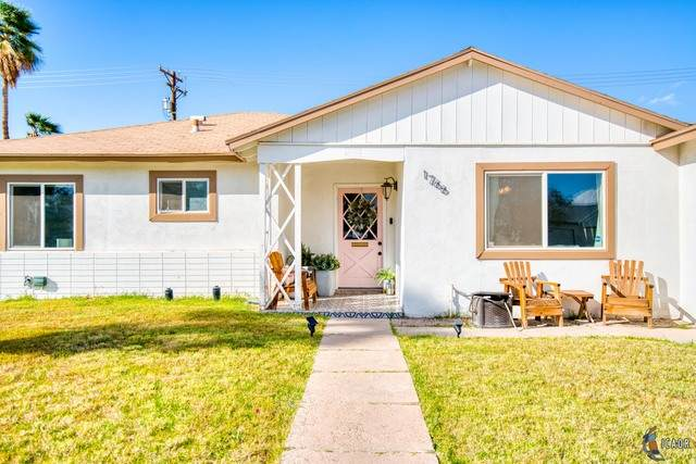 1766 W Hamilton Ave, El Centro, CA 92243 (MLS #21709124IC) :: Duflock & Associates Real Estate Inc.