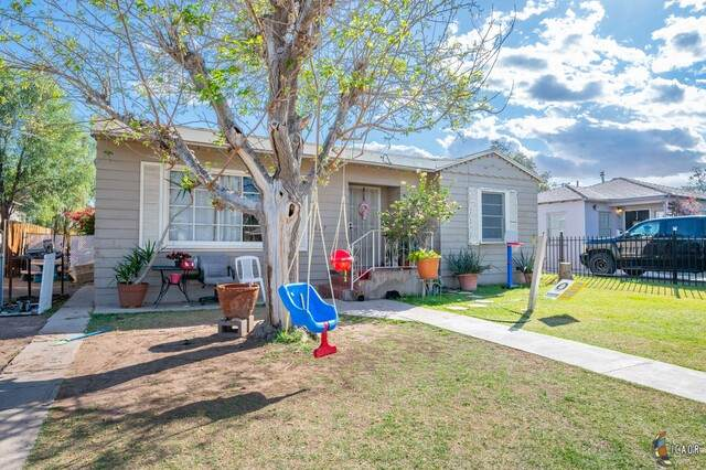 627 Lenrey Ave, El Centro, CA 92243 (MLS #21709368IC) :: Duflock & Associates Real Estate Inc.