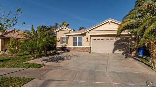 3503 Sunflower Ct, El Centro, CA 92243 (MLS #21717042IC) :: DMA Real Estate
