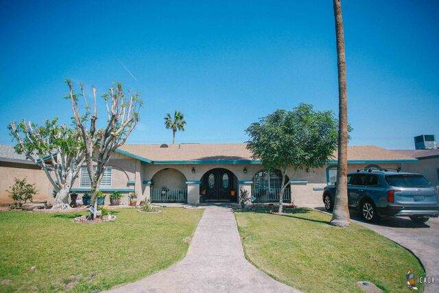 1228 Sterling Ave, Calexico, CA 92231 (MLS #21721632IC) :: Duflock & Associates Real Estate Inc.