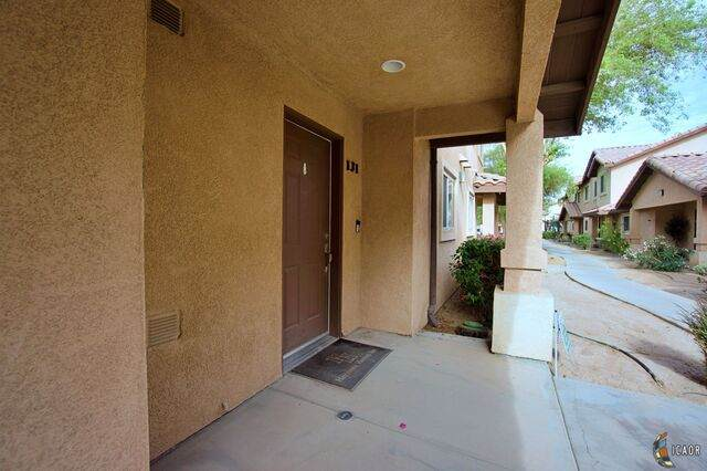 1160 Rosas St #131, Calexico, CA 92231 (MLS #21727452IC) :: Duflock & Associates Real Estate Inc.