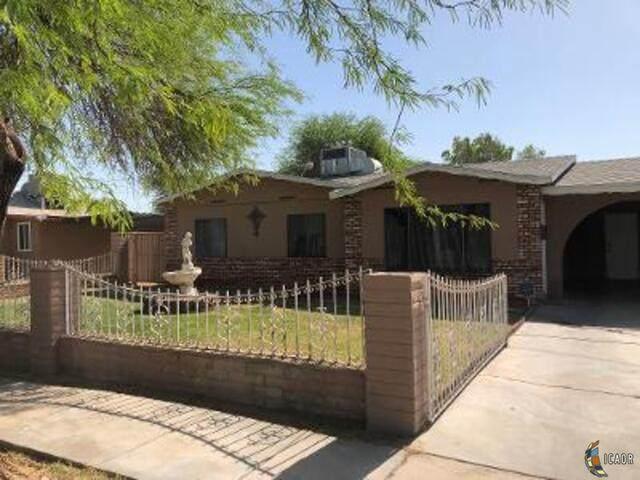 513 S Hope St, El Centro, CA 92243 (MLS #21731702IC) :: Duflock & Associates Real Estate Inc.