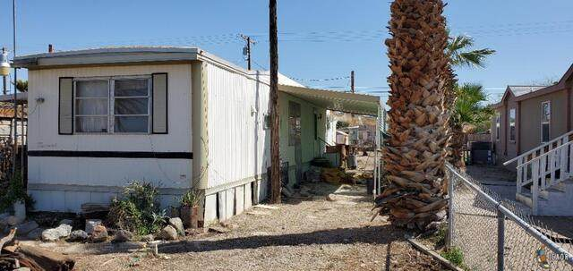 15 E 1st St, Niland, CA 92257 (MLS #21732036IC) :: Duflock & Associates Real Estate Inc.