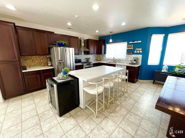 2710 Lenrey Ave, El Centro, CA 92243 (MLS #21736078IC) :: DMA Real Estate