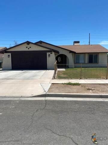 997 S 21St St, El Centro, CA 92243 (MLS #21748358IC) :: Capital Real Estate