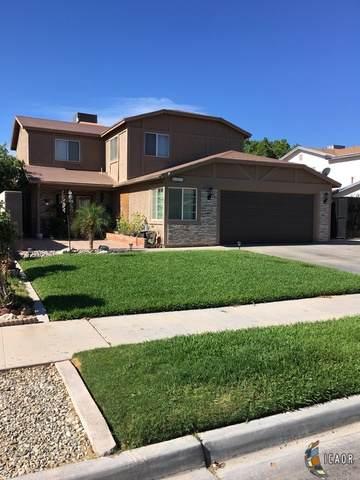 2171 W Holt Ave, El Centro, CA 92243 (MLS #21748394IC) :: DMA Real Estate