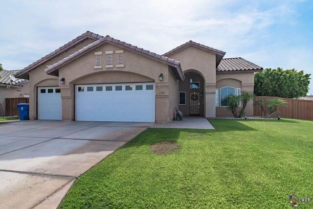 2350 Felipe Ct, Imperial, CA 92251 (MLS #21749742IC) :: Capital Real Estate