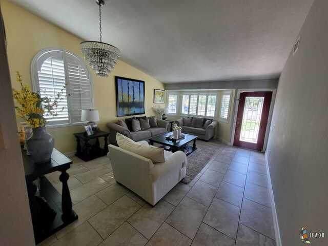 1056 Desert View St, Calexico, CA 92231 (MLS #21752206IC) :: Capital Real Estate
