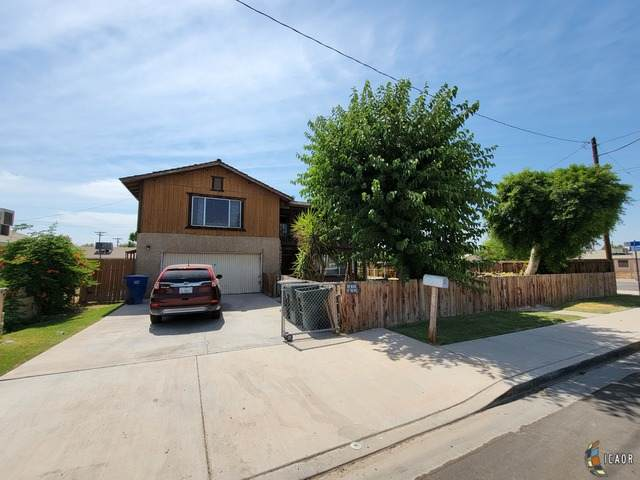 407 S Eastern Ave, Brawley, CA 92227 (MLS #21755176IC) :: DMA Real Estate