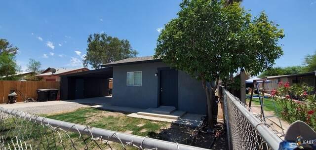 1757 W Rio Vista St, Seeley, CA 92273 (MLS #21755276IC) :: DMA Real Estate